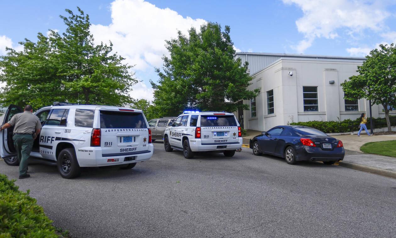 Τρόμος στην Αλαμπάμα: Τραυματίες 10 έφηβοι σε σχολικό αγώνα από πυροβολισμούς