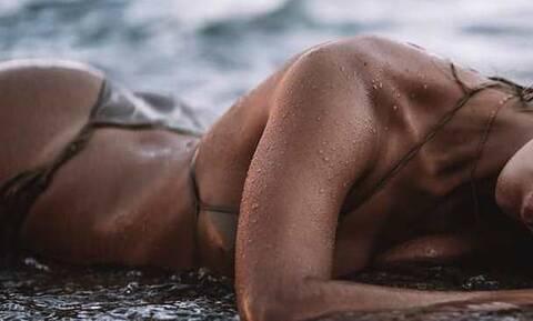 Ελληνίδα πρώην Survivor κολάζει με τις πόζες της και της καμπύλες της (pics)