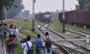 Βίντεο - σοκ:  Άνδρας παγιδεύτηκε ανάμεσα στο τρένο και την αποβάθρα