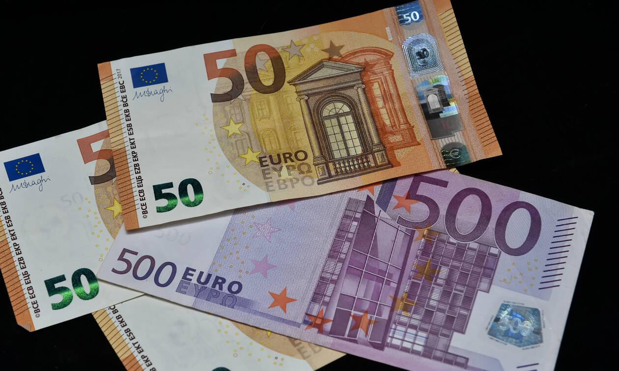 ΟΑΕΔ: Ποιοι δικαιούνται έως 12.000 ευρώ