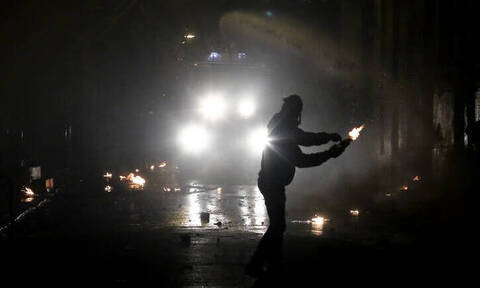 Νύχτα επεισοδίων στα Εξάρχεια: Έστησαν ενέδρα σε αστυνομικούς της ΔΙ.ΑΣ.