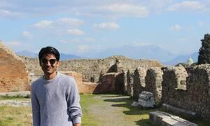Θεσσαλονίκη: Ο Ινδός που μαθαίνει στον κόσμο το... «χαλαρά»