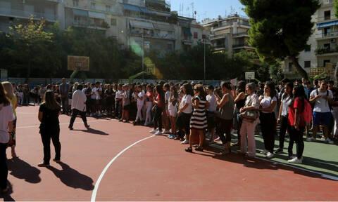«Χτυπάει» το κουδούνι στα σχολεία: Οι μαθητές επιστρέφουν με αλλαγές και κενά