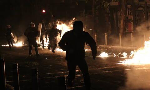 Εξάρχεια: Επίθεση με μολότοφ σε διμοιρία των ΜΑΤ