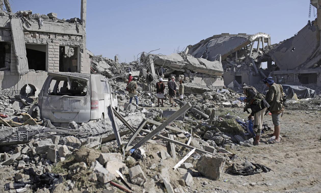 Μακελειό στην Υεμένη: Βομβάρδισαν κρατούμενους - Τουλάχιστον 130 οι νεκροί