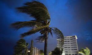Ο φονικός τυφώνας Ντόριαν «σφυροκοπά» τις Μπαχάμες: Ένα 8χρονο παιδί το πρώτο θύμα του