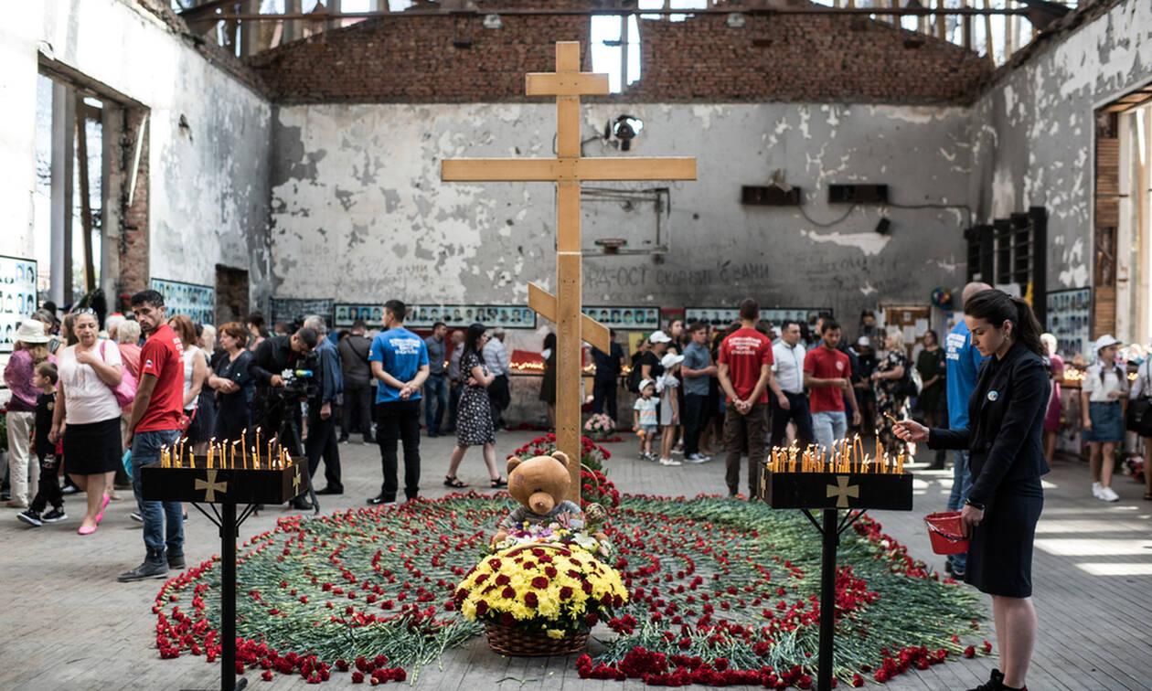 В Беслане почтили память жертв теракта