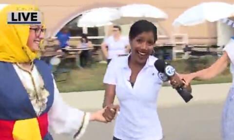 «Ζήτω η Ελλάς!» Τρελάθηκε η αμερικανίδα ρεπόρτερ με τους ελληνικούς χορούς! (vid)