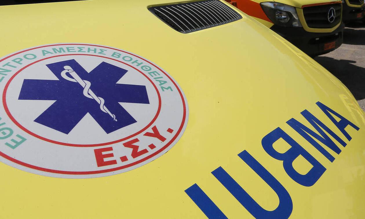 Κρήτη: Αυτοκίνητο «καρφώθηκε» στην περίφραξη σπιτιού μετά από... κόντρες - Απίστευτες εικόνες (pics)