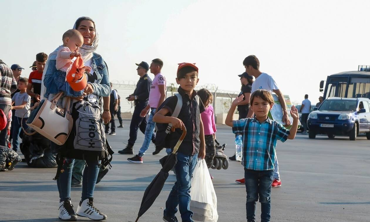 Με 21 λεωφορεία η μεταφορά των πρώτων αιτούντων άσυλο στη Νέα Καβάλα
