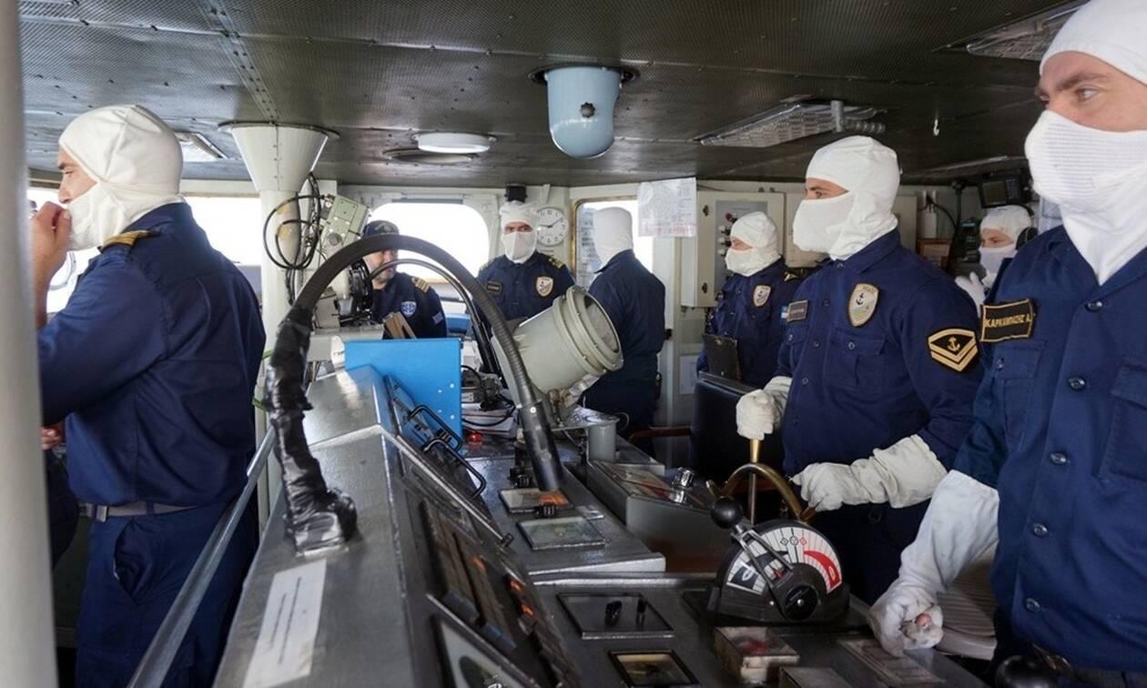 Δραματικές εξελίξεις: Ελληνικά πολεμικά πλοία απέναντι από τουρκικά στο Καστελλόριζο