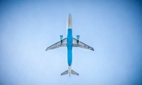 Σοκ σε πτήση: Πάγωσαν όλοι – Δείτε τι έγινε (pics)
