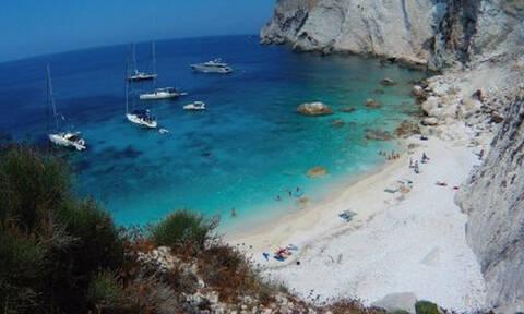 Αυτή είναι η νεότερη παραλία της Ελλάδας! (pics+vid)