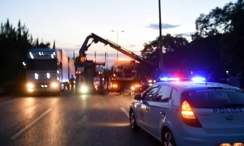 Τροχαίο στην Αθηνών - Κορίνθου: Τι είπε ο οδηγός της νταλίκας που δίπλωσε (vid)