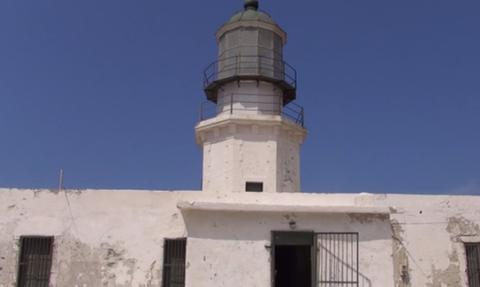 Δημόσιος κίνδυνος ο φάρος Αρμενιστής στη Μύκονο (video)
