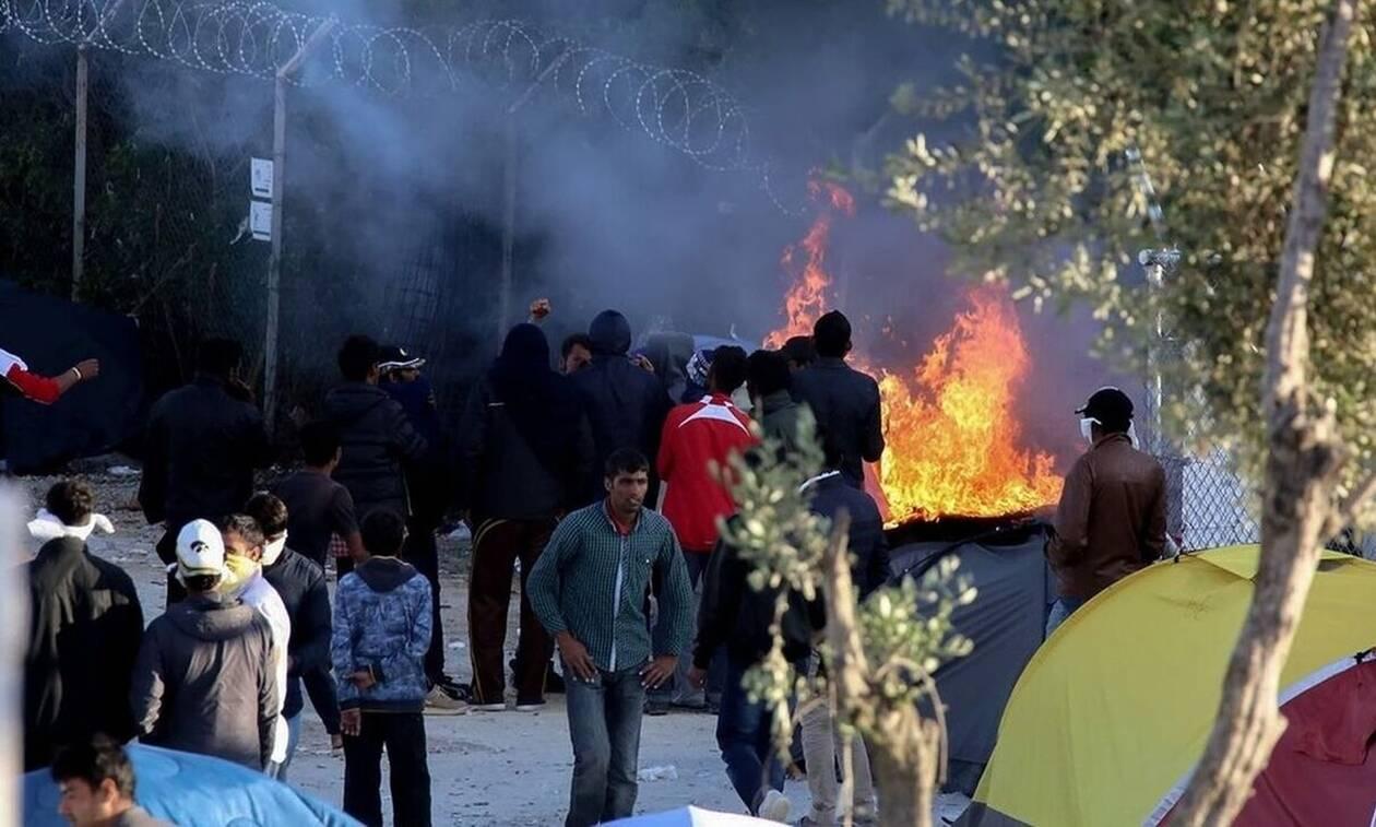 Άγρια επεισόδια και πετροπόλεμος με μετανάστες στο hotspot της Μόριας