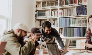 «Γενιά» New Work Tribe: Εργασία και ψυχολογία συνυπάρχουν, όσο η τεχνολογία επηρεάζει θετικά τη ζωή