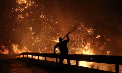 Φωτιά ΤΩΡΑ στη Νέα Μάκρη - Πυρκαγιά στο Λιβίσι