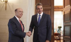 Επενδύσεις και εμπορικές σχέσεις στο επίκεντρο της συνάντησης Μητσοτάκη - Ρος