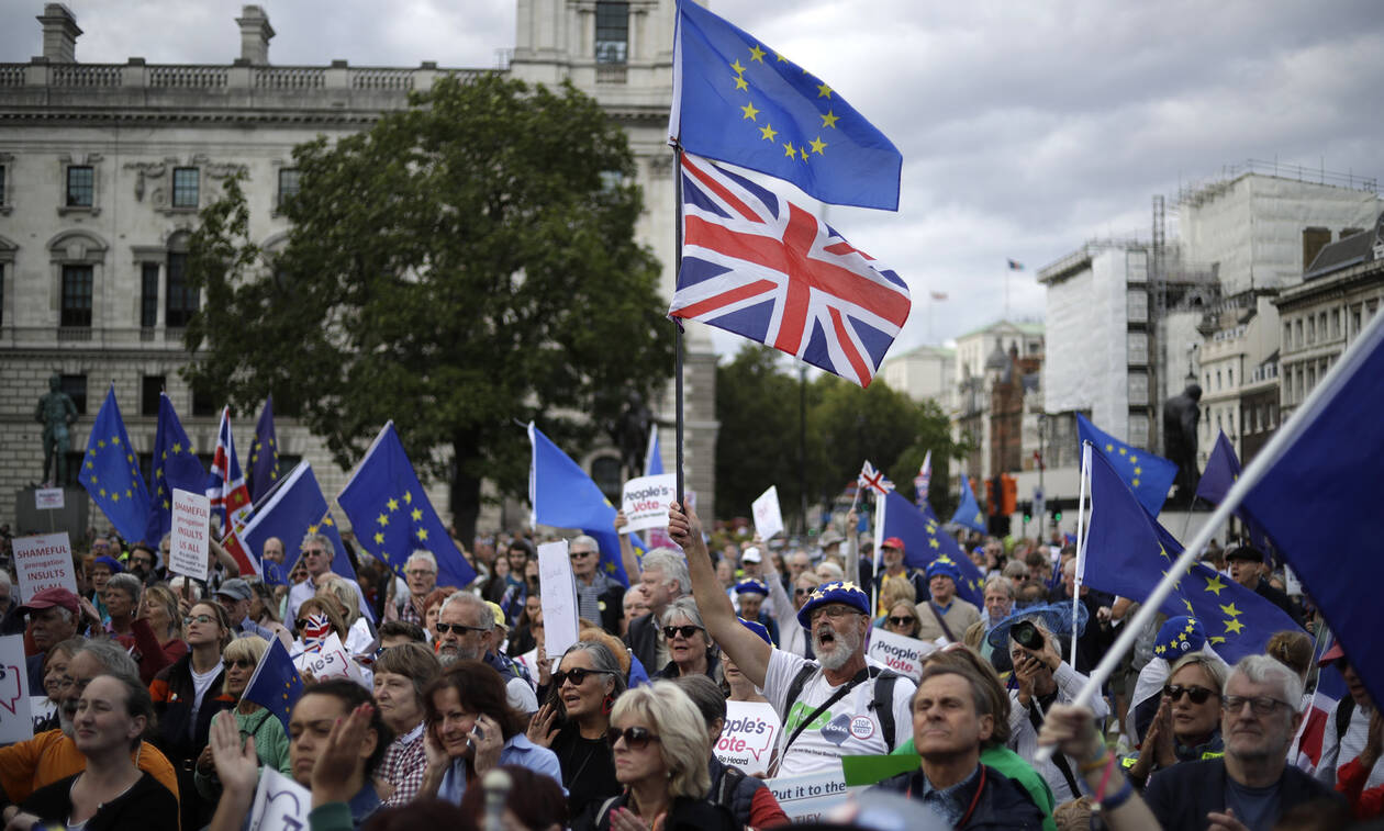 Brexit: Κρίσιμη η Δευτέρα – Ψηφίζουν ξανά για πρόωρες εκλογές