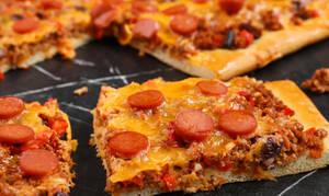 Η συνταγή της ημέρας: Chili dog pizza