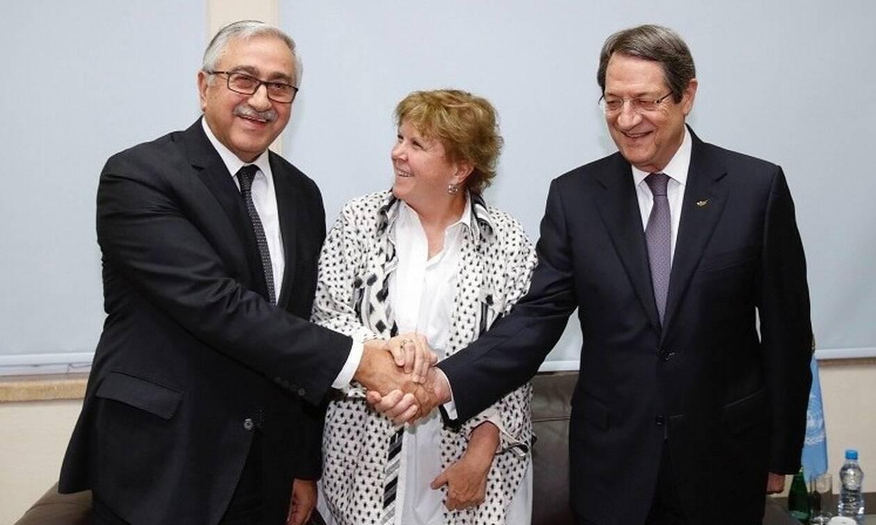 Κυπριακό: Οι τουρκικές παρεμβάσεις τίναξαν στον αέρα τις συζητήσεις