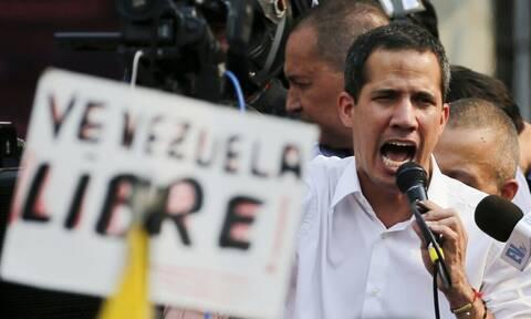 Βενεζουέλα: Εισαγγελική έρευνα κατά του Γκουαϊδό για «εσχάτη προδοσία»