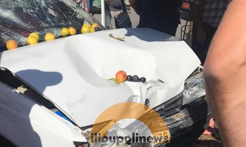 Θρίλερ στην Ηλιούπολη  - Αυτοκίνητο έπεσε σε πάγκο Λαϊκής  -Tρεις τραυματίες (pics)