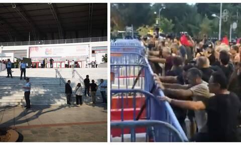 ΔΕΘ 2019: Διαδηλωτές επιχείρησαν να σπάσουν τον φραγμό έξω από το Βελλίδειο (vid)
