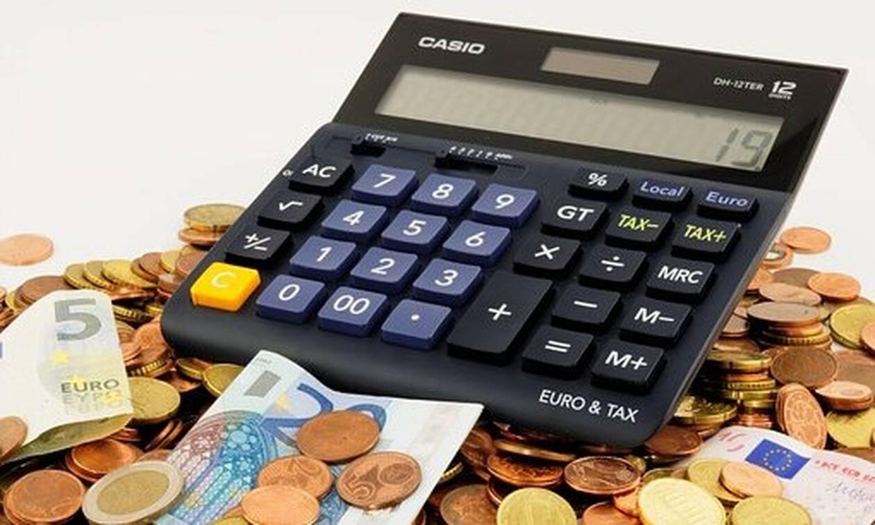 Μειώσεις φόρων: Τι κερδίζουν μισθωτοί, συνταξιούχοι και ελεύθεροι επαγγελματίες