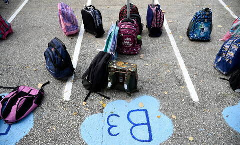 Πότε ανοίγουν τα σχολεία: Τι ώρα θα γίνει ο Αγιασμός - Όλα όσα αλλάζουν