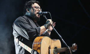Singer and songwriter Lavrentis Machairitsas dies at 63