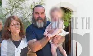 Συγκίνηση: Βαφτίστηκε το μωρό που έχασε τους γονείς του σε χείμαρρο στην Κρήτη
