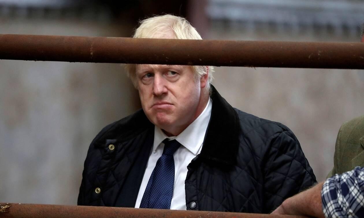 Βρετανία: Εφιάλτης για τον Μπόρις Τζόνσον - Η βασίλισσα Ελισάβετ μπλοκάρει το άτακτο Brexit