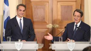 Στην Αθήνα ο Αναστασιάδης - Οι απειλές Τσαβούσογλου και η επίσκεψή του στην Αμμόχωστο