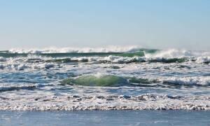 Κρήτη: Χαμός σε παραλία - Έτρεχαν να σωθούν με αυτό που είδαν στη θάλασσα