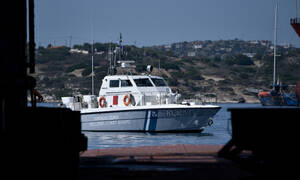 Cargo ship towed to Syros port