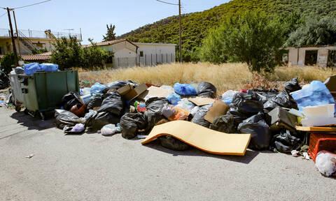 Πόρτο Ράφτη: Επίγειος τουριστικός ...σκουπιδότοπος
