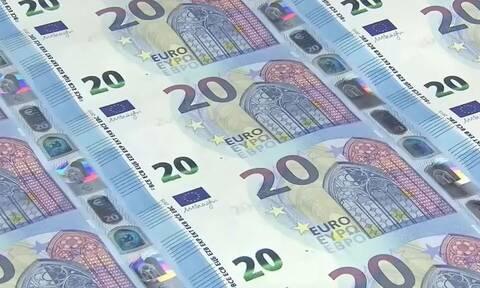 Εχετε δει ποτέ πώς φτιάχνονται τα χαρτονομίσματα των 20 ευρώ; (video)