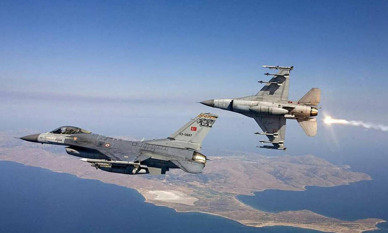 Νέο μπαράζ τουρκικών παραβιάσεων στο Αιγαίο με τρεις εικονικές αερομαχίες