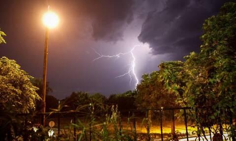 Αλλάζει ο καιρός: Άνεμοι έως 7 μποφόρ και καταιγίδες την Τετάρτη (11/9) – Πού θα βρέξει