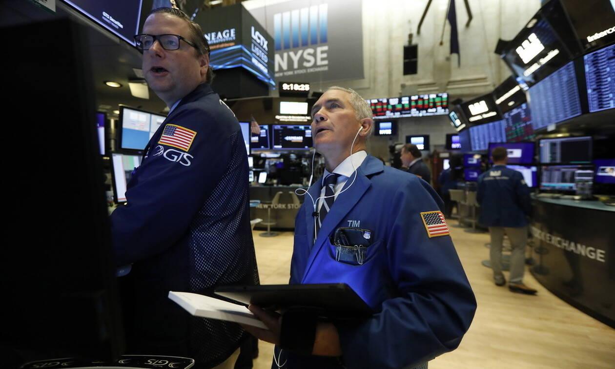 Αβεβαιότητα και μικτά πρόσημα στη Wall Street - Πτώση για το πετρέλαιο