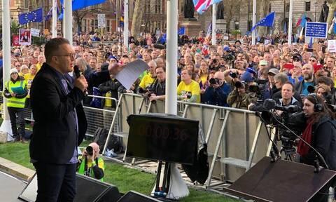 Brexit: Κορυφαίο στέλεχος των Εργατικών θα ζητήσει τη διεξαγωγή δεύτερου δημοψηφίσματος