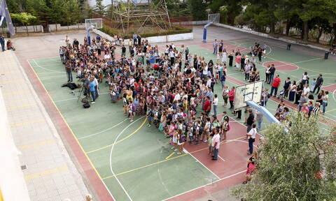 Νέα σχολική χρονιά: Σήμερα το «πρώτο κουδούνι» και ο αγιασμός στα σχολεία