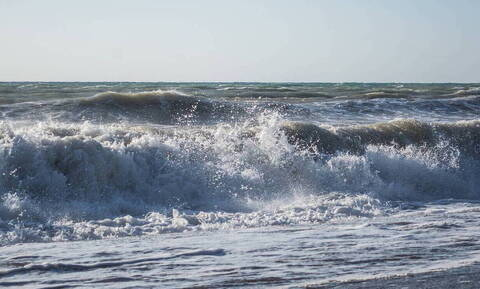 Πρέβεζα: Έμειναν άφωνοι όταν κοίταξαν τη θάλασσα - Τι είδαν;  (pics)