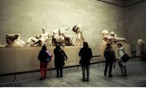 Статуи греческого Парфенона в Британском музее находятся в зале, где стены покрыты плесенью