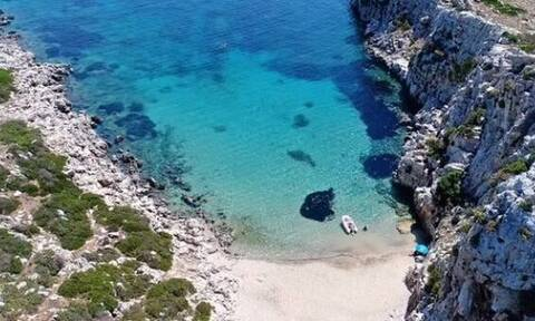 Αυτό είναι το ελληνικό νησί που μοιάζει με... κροκόδειλο