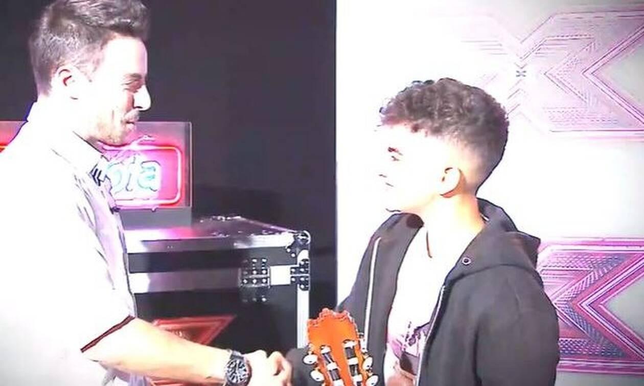 X Factor: Ο 16χρονος που τραγούδησε για την Ελλάδα και έκανε του κριτές να δακρύσουν (video)