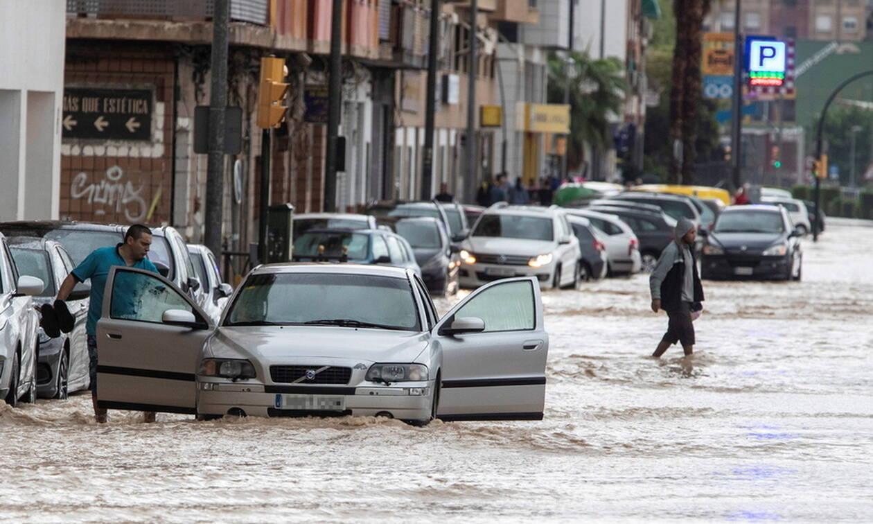 Τραγωδία στην Ισπανία: Δύο νεκροί έπειτα από καταρρακτώδεις βροχοπτώσεις (pics)