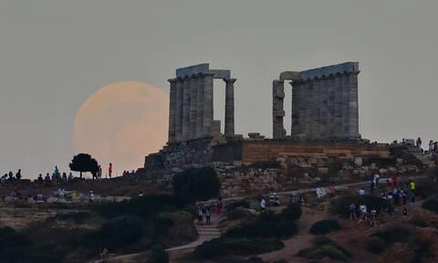 Πανσέληνος Σεπτεμβρίου: Παρασκευή και 13 το ολόγιομο φεγγάρι (pics)
